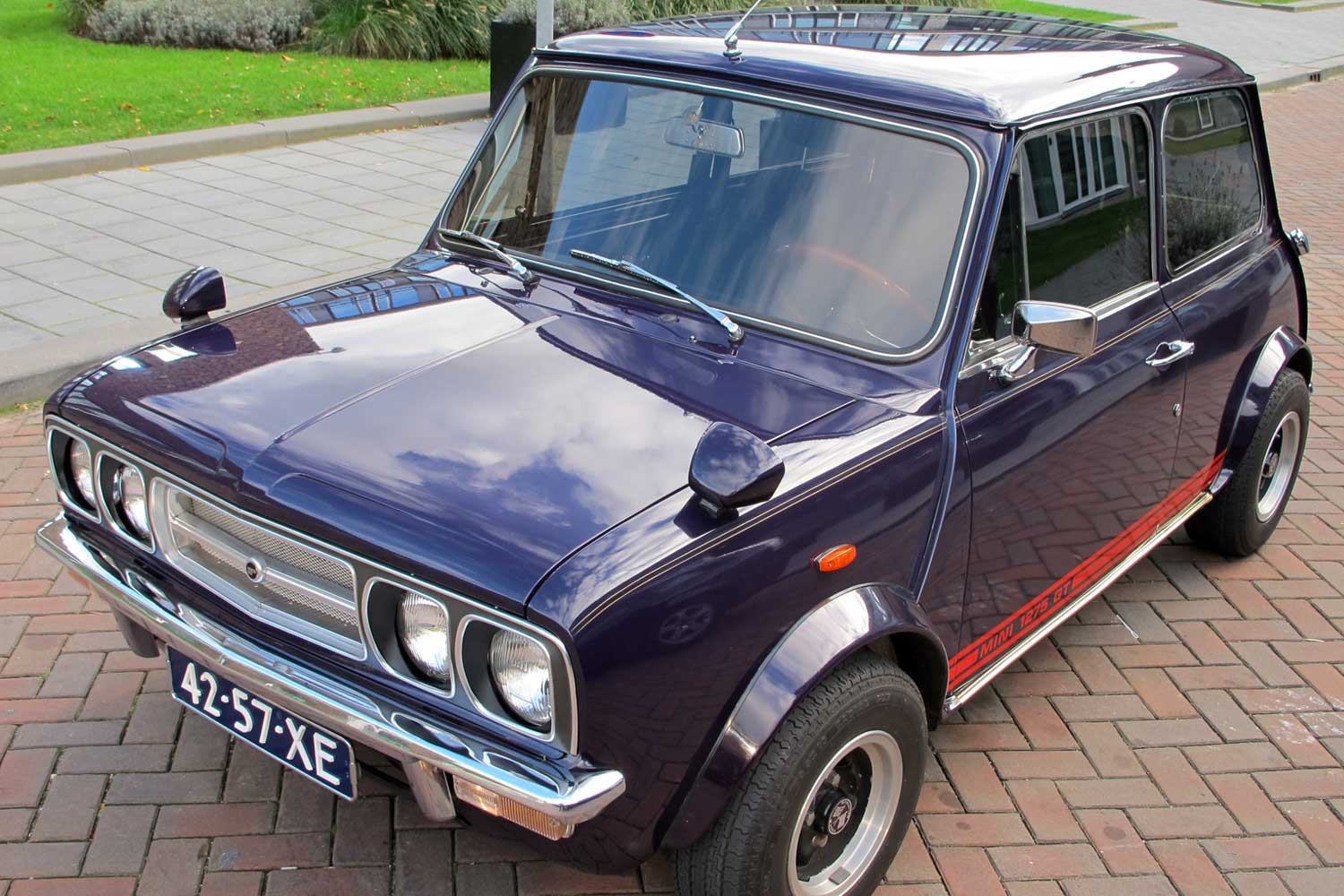 Dutch Wood & Pickett Personalised Mini 1275 GT 1973